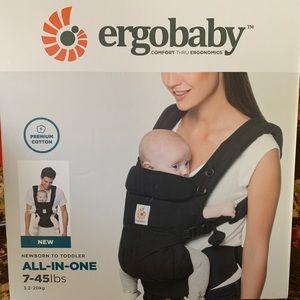 Ergo Baby- Omni 360 carrier black- new in box